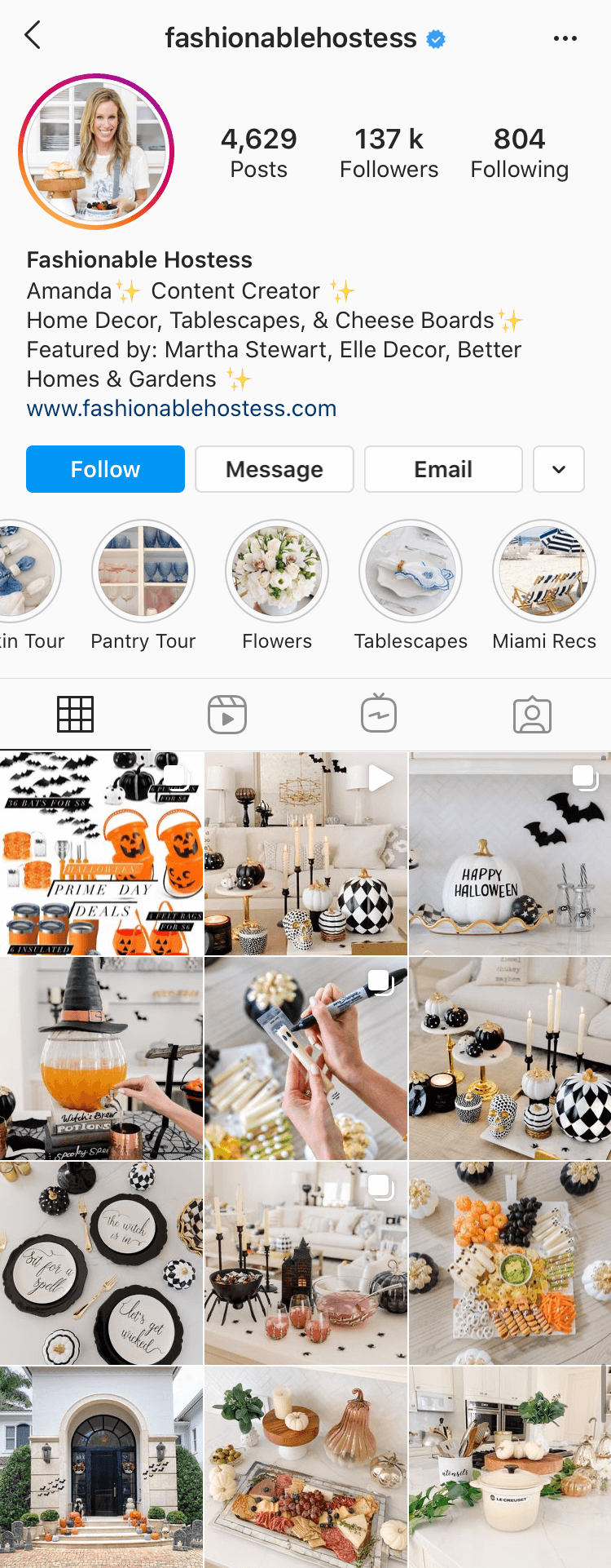 Instagram account @fashionablehostess
